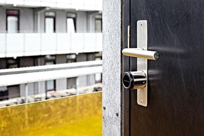 SensoLock-på-dør(2)